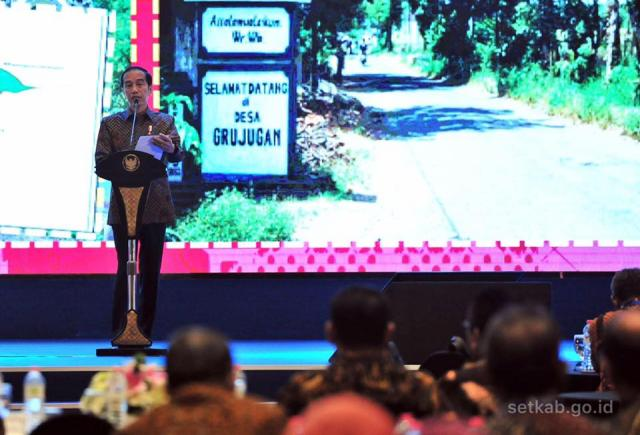 President Joko Widodo expects the One Map Policy to address overlapping land claims. Photo Credit: Setkab RI/Facebook