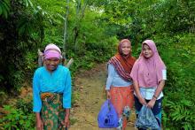 Para perempuan di Desa Gajah Bertalut. Kredit foto: WRI Indonesia